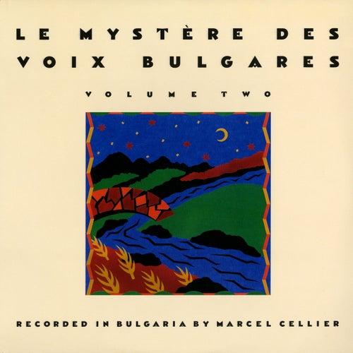 Play & Download Le Mystère des Voix Bulgares, Vol. 2 by Le Mystere Des Voix Bulgares | Napster