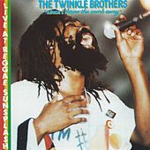 Live at Reggae Sunsplash: Since I Throw the Comb Away by Twinkle Brothers