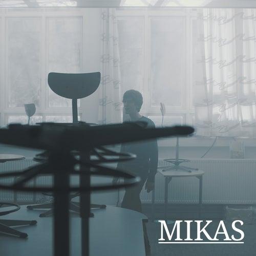 Vi faldt jo ned by Mikas