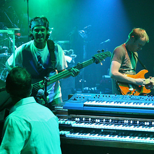 Play & Download 04.21.07 The Vic Theatre, Chicago, IL by Umphrey's McGee | Napster