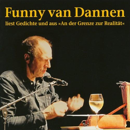 Liest Gedichte und aus 'An der Grenze zur Realität' von Funny Van Dannen