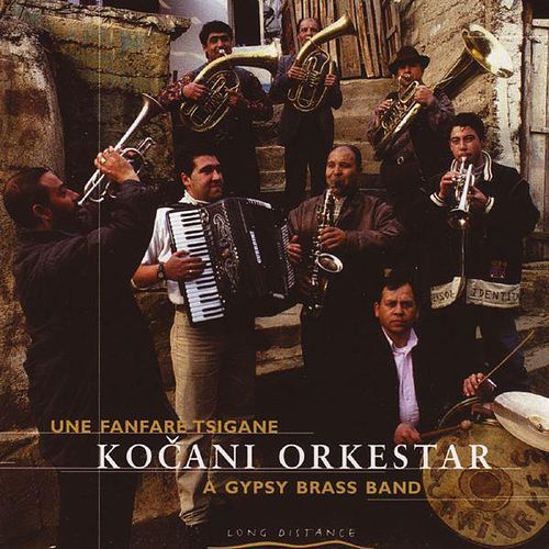 Play & Download Une Fanfare Tsigane by Kocani Orkestar | Napster