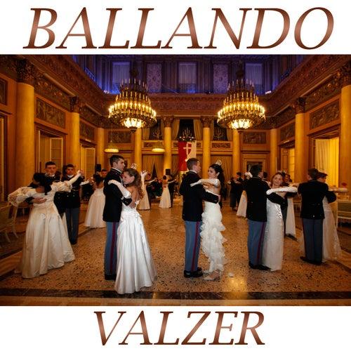 Ballando valzer Medley 2: Granvalzer / Eurovalzer / Perle / Sangue viennese / Valzer del buonumore / Va' pensiero / Splendido valzer / Valzer di mezzanotte / Abito bianco / La campagnola / Valzer del cerimoniale / Ciao mare / Valzerando / Romagna e Sangio by Silver