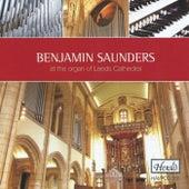 At the Organ of Leeds Cathedral von Benjamin Saunders