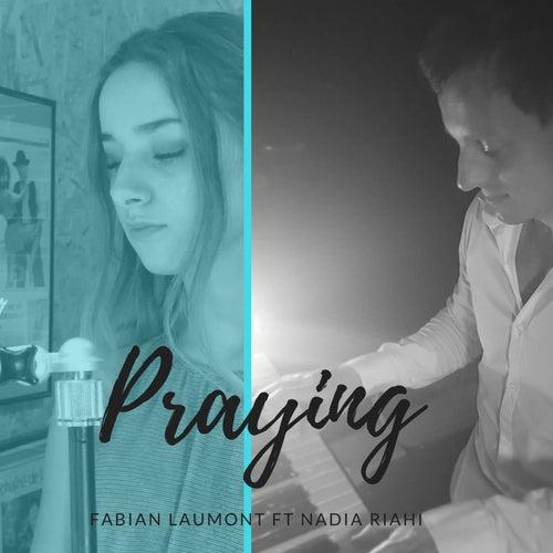 Praying de Fabian Laumont