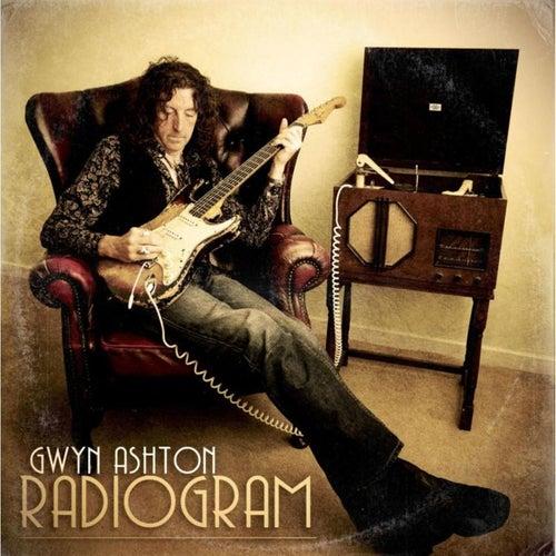 Radiogram by Gwyn Ashton