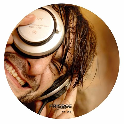 Unflug Mixes by Ricardo Villalobos
