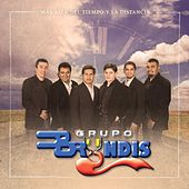 Play & Download Mas Alla Del Tiempo Y La Distancia by Grupo Bryndis | Napster