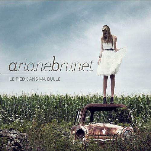 Play & Download Le pied dans ma bulle by Ariane Brunet | Napster