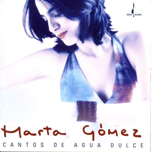 Cantos de Agua Dulce by Marta Gomez