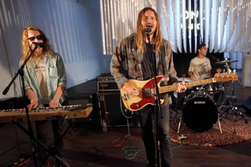 "Crystal Antlers ""Rattlesnake"": Live From Sonos Studio"