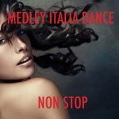 Medley Italian Dance  :Tanti auguri / Il triangolo / Bandiera gialla / Ho in mente te / Cuore matto / Stasera mi butto / Fatti mandare dalla mamma / Abbronzatissima / La pelle nera / Italian Party (Non Stop) by Disco Fever