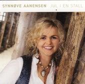Jul I En Stall by Synnøve Aanensen