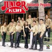 Bailando Pegaito de Junior Klan
