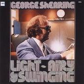 Light, Airy & Swinging de George Shearing