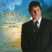Bajo Los Ojos De Dios de Daniel Cardozo