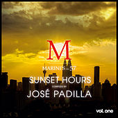 Sunset Hours - Marini's on 57 de Various Artists