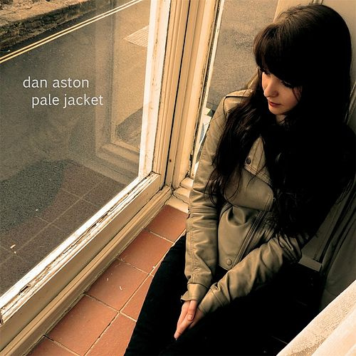 Pale Jacket von Dan Aston