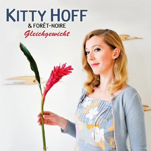 Gleichgewicht by Kitty Hoff