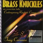 Brass Knuckles de Tony Caramia