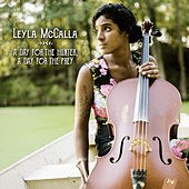 A day for the hunter, a day for the prey de Leyla McCalla