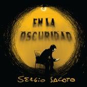 En la Oscuridad von Sergio Sacoto