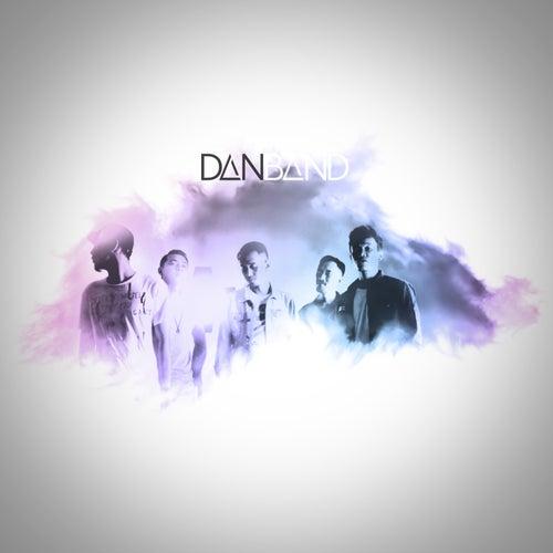Aku Bukan Musuhmu by The Dan Band