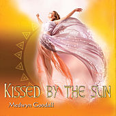 Kissed by the Sun de Medwyn Goodall