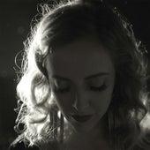 Quando Alguém Vai Embora (Single) by Laura Lavieri