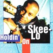 Holdin' On de Skee-Lo