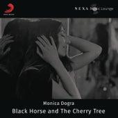 Black Horse and the Cherry Tree de Monica Dogra