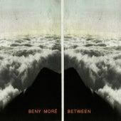 Between de Beny More