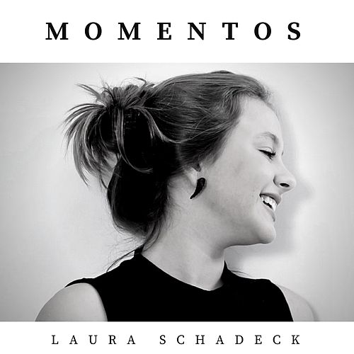 Momentos by Laura Schadeck
