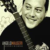 Sorridendo de Angelo Maugeri