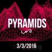 Pyramids de L.E.D.