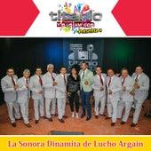 Titanio y Sus Amigos Presenta a la Sonora Dinamita de Lucho Argain by La Sonora Dinamita