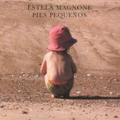 Pies Pequeños by Estela Magnone