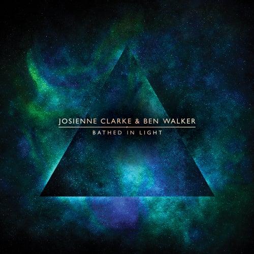 Bathed in Light van Josienne Clarke and Ben Walker