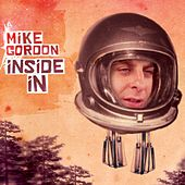 Inside In van Mike Gordon