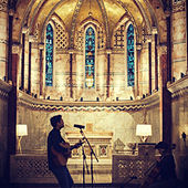 Moonlight (Live Session at Fitzrovia Chapel) di Allman Brown