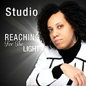 Reaching For The Light Single de Studio