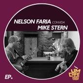 Nelson Faria Convida Mike Stern: Um Café Lá Em Casa (feat. Mike Stern) by Nelson Faria