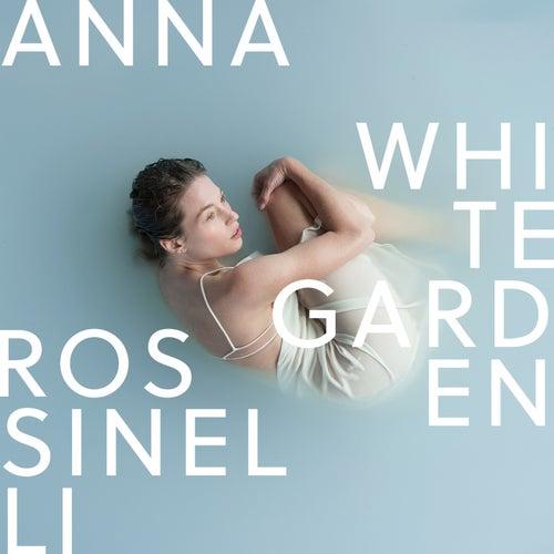 White Garden von Anna Rossinelli