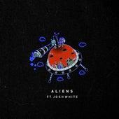 Aliens von Sarah Skinner & TyC