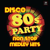 Disco 80 Medley 2: Mac Arthur Park / Chery Chery Lady / Please Don't Go / Like A Virgin / Tarzan Boy / Reggae Night/ The Winner Takes It All / Love Is In The Air / Love To Love You Baby / Paris Latino / Heart Of Glass / Amoureux Solitaires / Dance Hall Da di Disco Fever