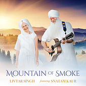 Mountain of Smoke de Livtar Singh