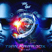Twin Paradox van Twin n Twice