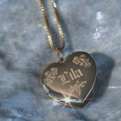 Locket (Side One) de Lila Drew