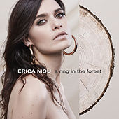 A ring in the forest de Erica Mou
