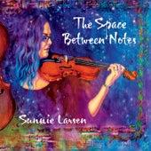 The Space Between Notes von Sunnie Larsen